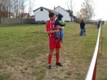 Labdával és fiával Pesti Laci